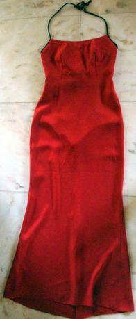 Vestido comprido,de cerimónia, vermelho,muito bonito.