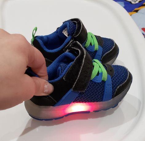 обувь детская carters 19, взуття дитяче