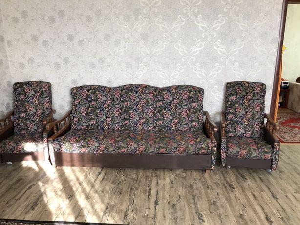Срочно! Диван + 2 кресла
