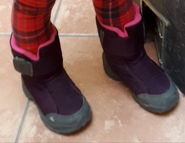 Зимові термо чобітки quechua на дівчинку