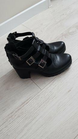 Туфли 350грн кожа 39р.