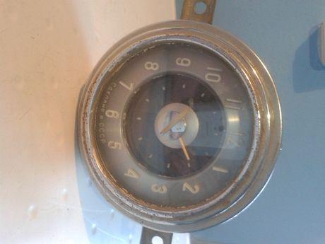 Часы автомобильные, производство СССР.