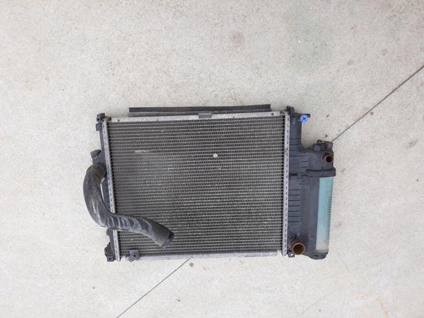 Radiador e34 520i de 1990