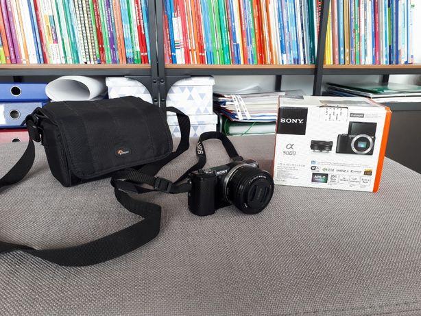 Sony Alpha a5000 + obiektyw 16-50 + karta pamięci + torba