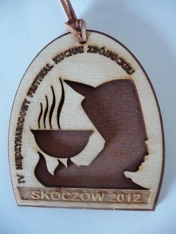 Wisior drewniany z IV Festiwalu Kuchni Zbójnickiej Skoczów 2012