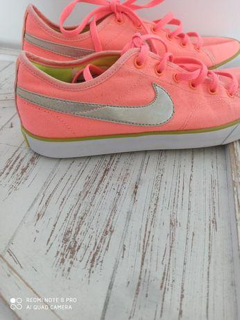 Nike 40.5  trampki