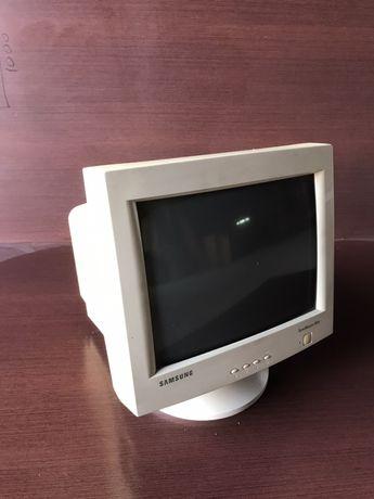Монитор для компьютера, недорого!