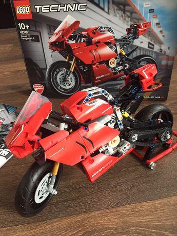 Lego technic 42107  Ducati