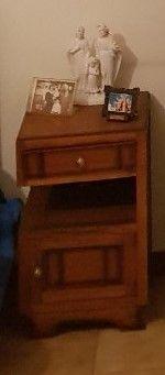 Mesa de cabeceira madeira