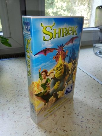 Oryginalna kaseta VHS z kultową bajką Shrek.