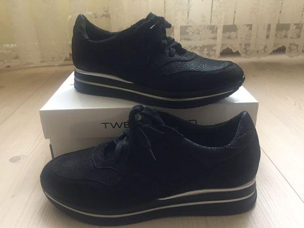 Продам шкіряні кросівки