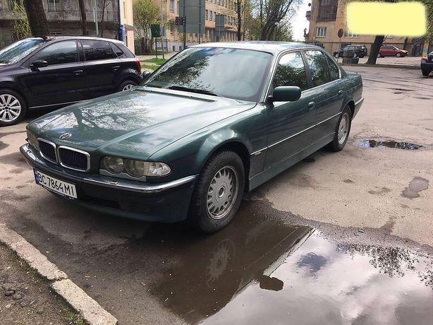 Легендарна BMW E38