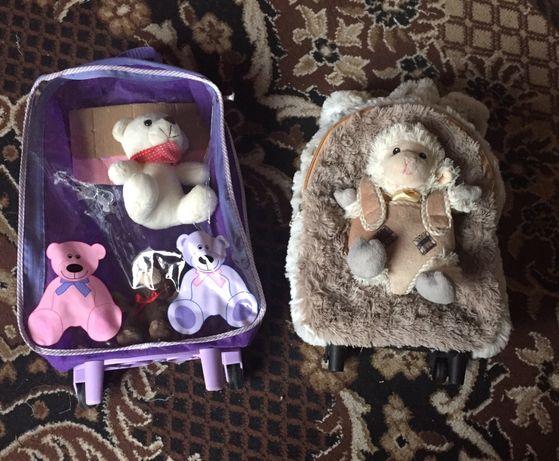 Рюкзак детскй, чемоданчик.с игрушками.