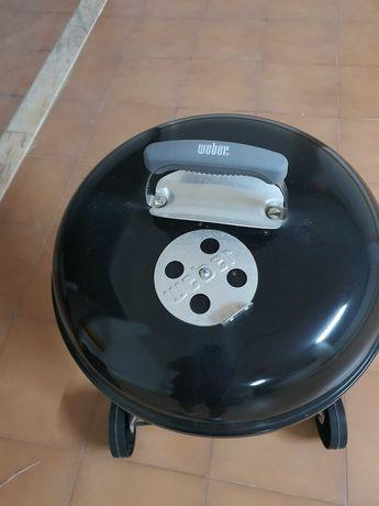 Churrasqueira/Barbecue Weber a carvão