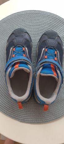 Кросовки DECATHLON  взуття на хлопчика 32