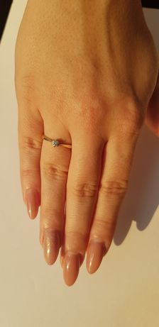 Pierścionek zaręczynowy APART diament 0,13 ct złoto próba 585
