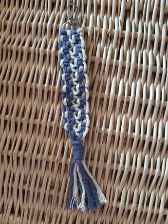 Porta-chaves/pendente de mala Macramé.