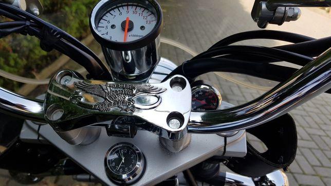 Obrotomierz motocyklowy chopper licznik chromowany biala tarcza