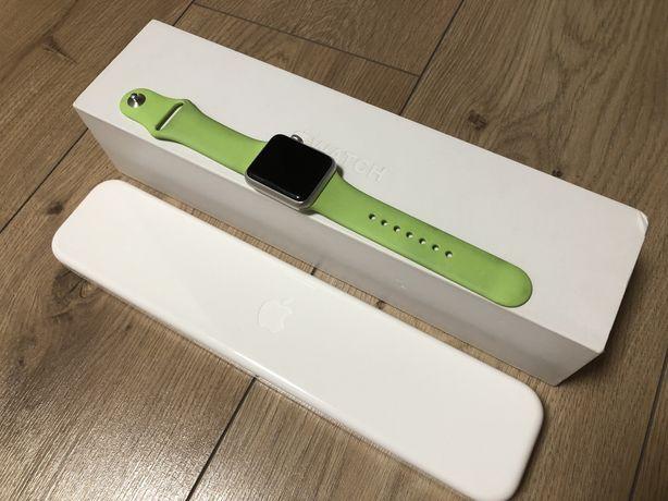 Idealny Apple Watch Sport 38 mm SILVER bardzo dobry stan + gratis!