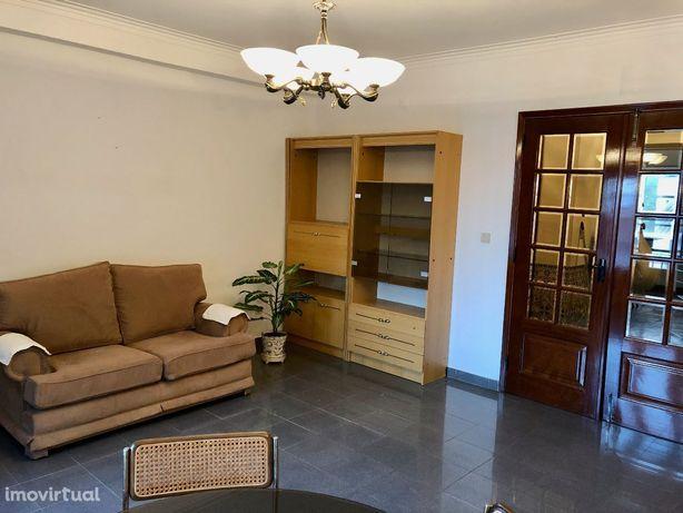 Apartamento T3 mobilado, em muito boa zona de Beja