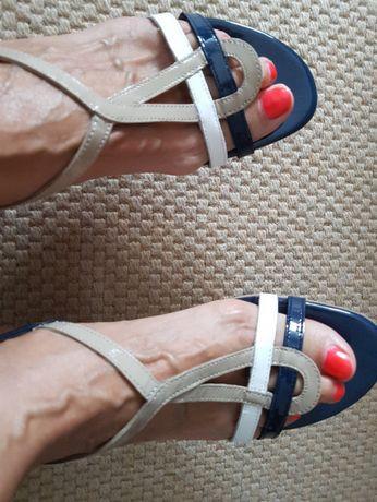sandálias azuis ,branco e camel, verniz pele genuina novas