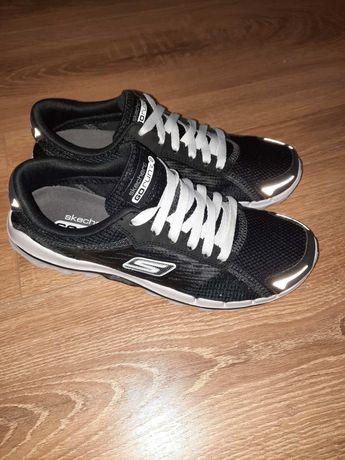 Кроссовки Skechers