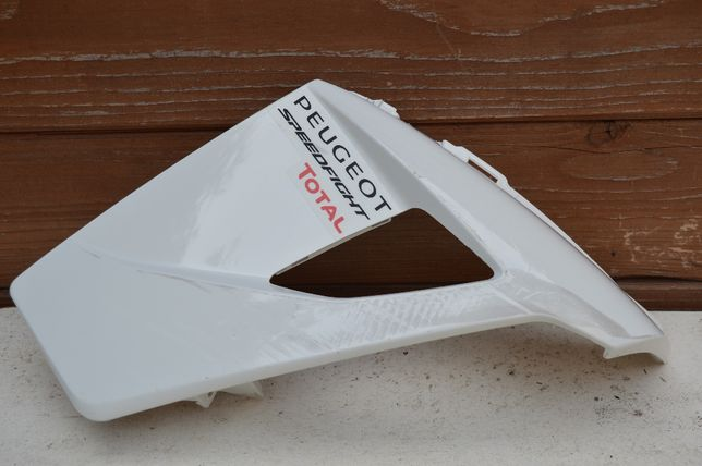 Peugeot Speedfight IV 4 OWIEWKA osłona wypełnienie wlot prawy