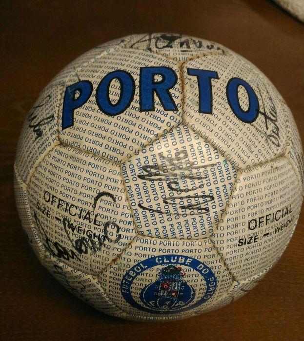 Bola Futebol Clube do Porto.(autografada) Rio Tinto - imagem 1