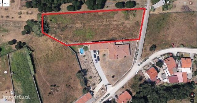 Excelente terreno urbanizável em Telheiro-Maceira.