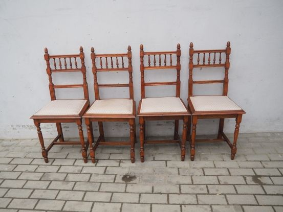 Antyczny komplet 4 krzeseł eklektycznych 189
