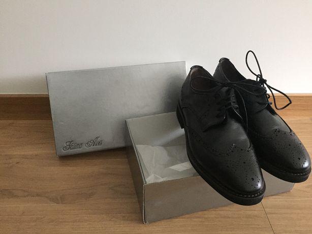 Sapatos clássicos pretos em pele Unissexo Atelier Fátima Alves - NOVOS