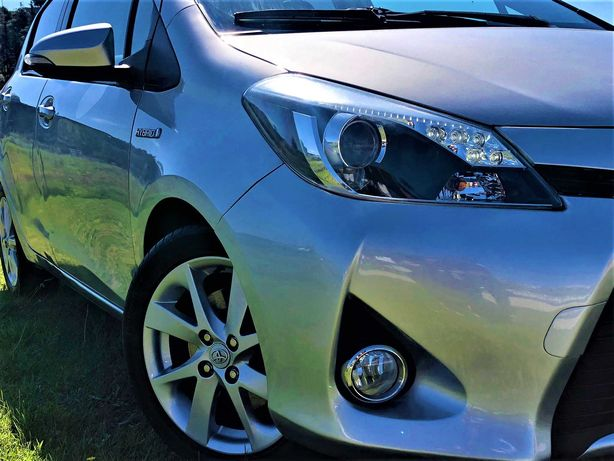 Toyota Yaris 1.5 Hybrid HSD Sport com Teto Panorâmico