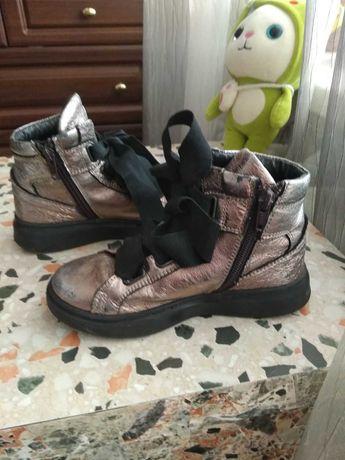 Деми ботинки 30размер