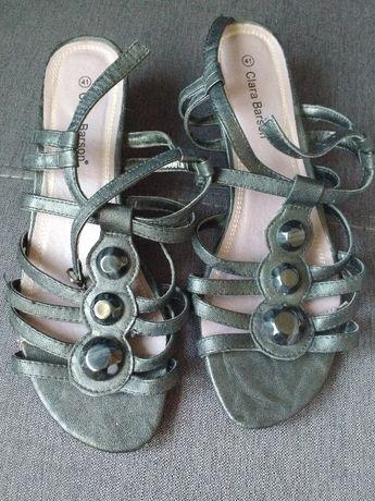 Czarne buty - sandałki, sandały, klapki Clara barson