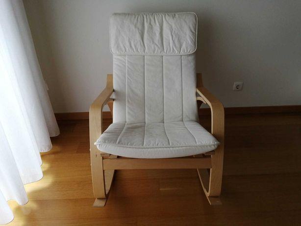 Cadeira de baloiço IKEA POÄNG