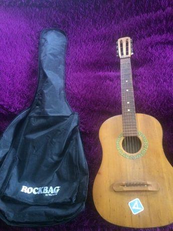 Продам гитару 6-ти струнную