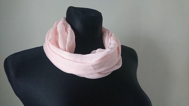 różowy szalik chusta szyfonowy komin