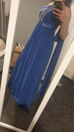 Długa suknia z cekinami