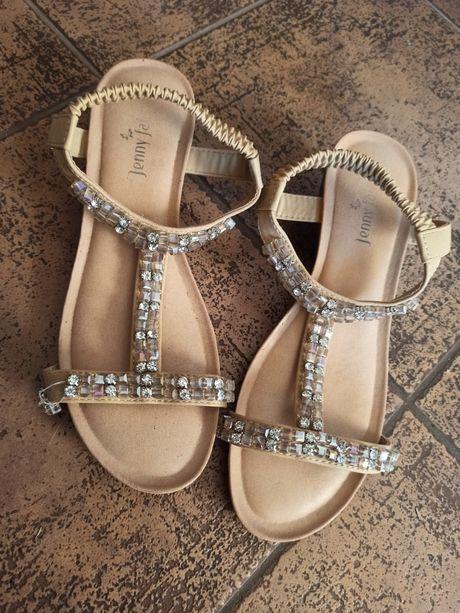 Sandały, mało noszone 39