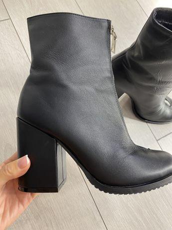 Демисезонные кожаные ботинки (полусапожки)