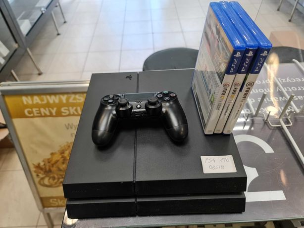 Konsola PS4 PlayStation 4 1TB + pad + okablowanie + 3 gry