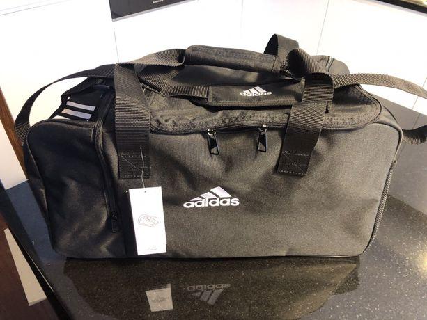 Torba treningowa sportowa Adidas czarna unisex