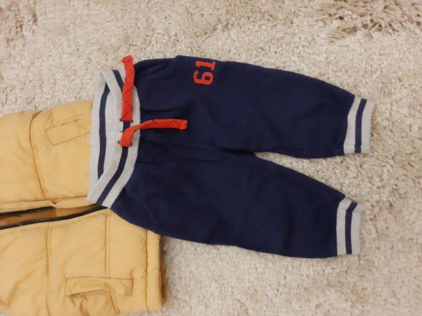 Фирменные спортивные трикотажные штаны на мальчика 6-9мес