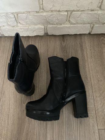 Продам черевички