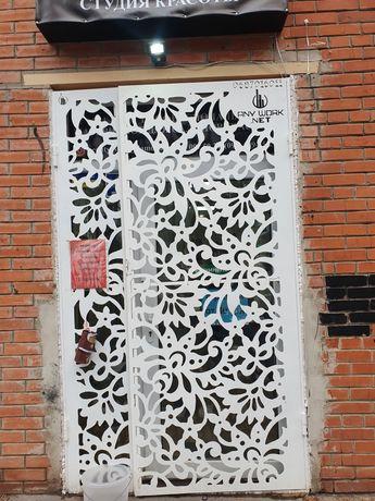Решётка защита на входную дверь металическая
