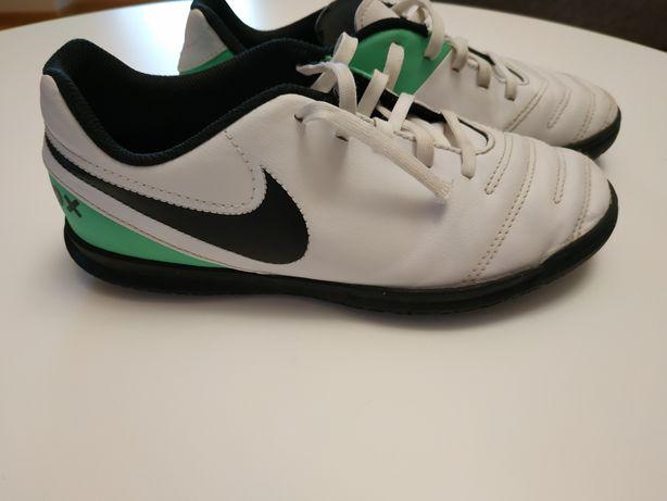 Buty, turfy Nike r.36