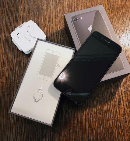 Продам Iphone 8 на 64 GB Space Gray