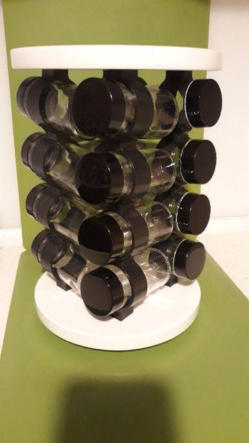 Stojak na przyprawy obrotowy DUKA 16 słoiczków biały