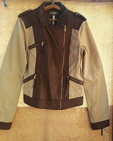 Курточка женская. Новая. Испания. Фирма Bershka. Размер 44 (S).
