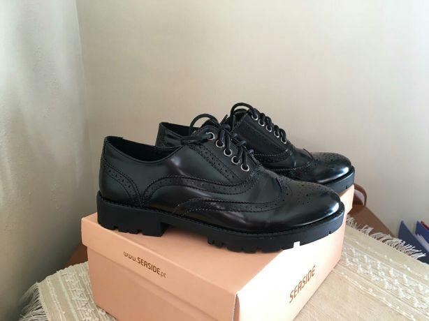 Sapatos pretos Tam. 36